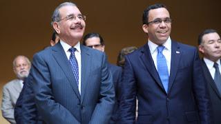 Presidente Medina felicita a los maestros en su día
