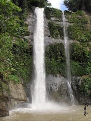 Madhabkunda waterfall - Moulovibazar