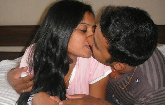 Indian girl naked kissing her boyfriend naked brothers band