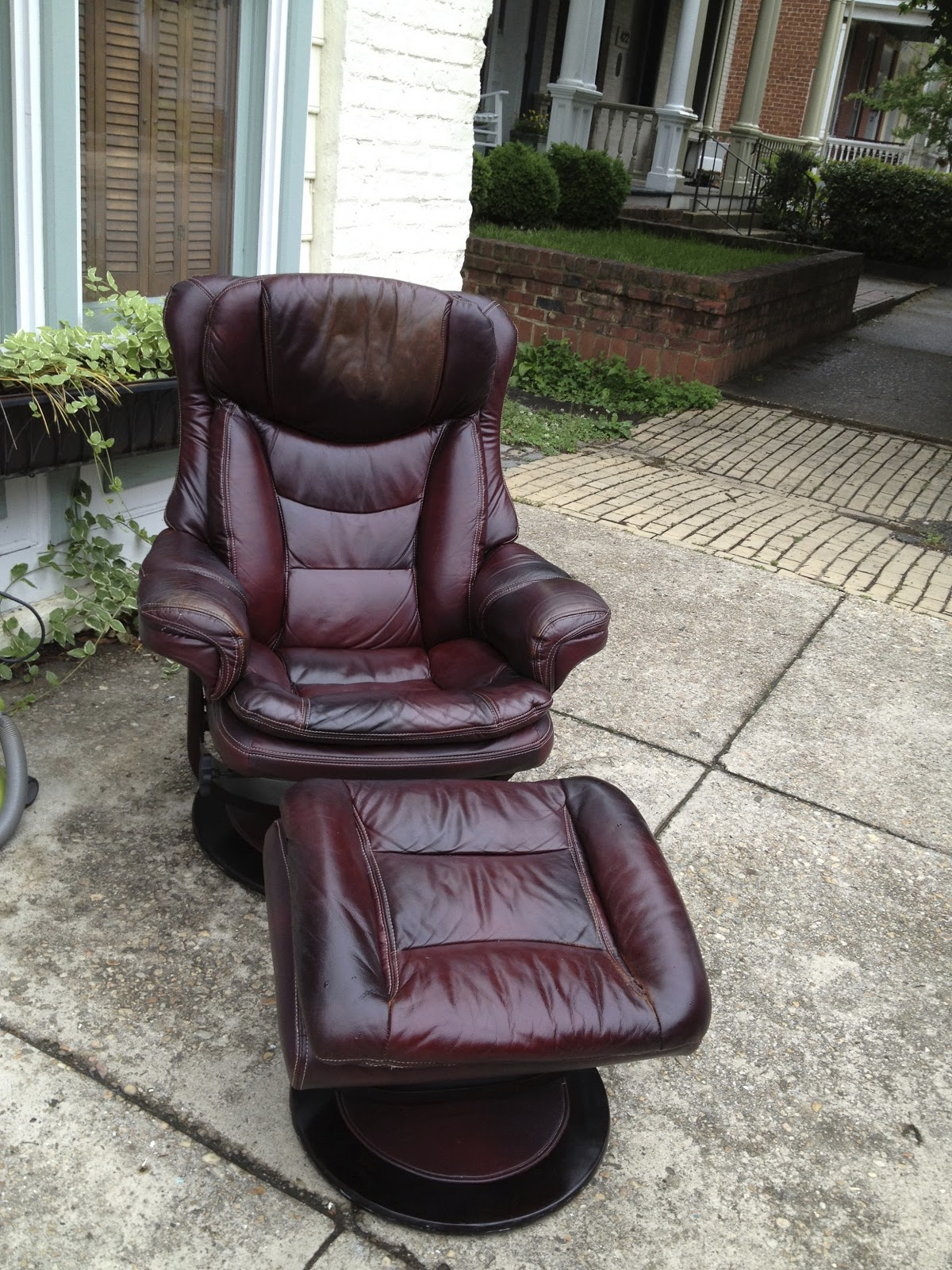 "SheShe, The Home Magician: Ugly Naugahyde ""Man Cave"" Chair ..."