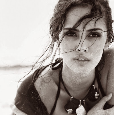 Megan Young hot pictures