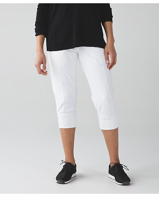lululemon  white-in-flux-crop