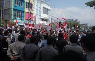 KRLUPB Kembali Gelar Aksi di Depan Kantor Gakkumdu Lampung