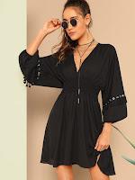 https://fr.shein.com/Tassel-Eyelet-Tape-Detail-Smocked-Waist-Dress-p-659278-cat-1727.html?aff_id=34669