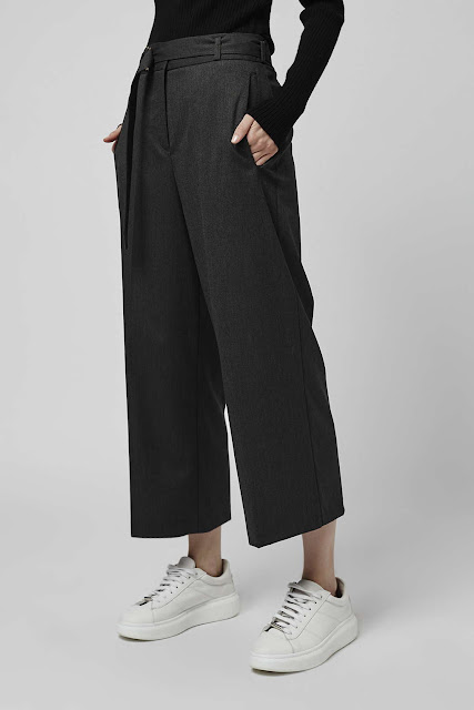 wide leg culottes, wide leg cropped trousers, wide cropped trousers,
