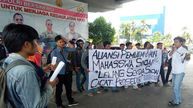 2 Aliasi Mahasiswa Demo di Makassar Tolak Penetapan Akbar Mukmin Sebagai Plt Sekda Sinjai