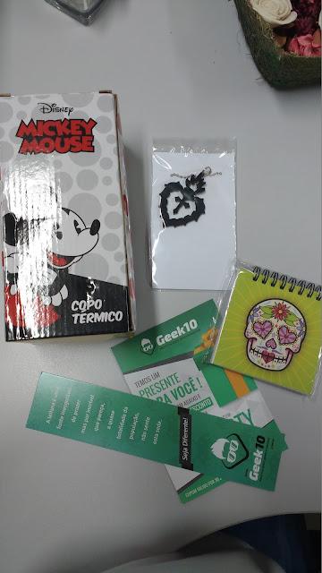 Meus Recebidos da Loja Geek10, copo térmico, colar de coração, bloco de anotações