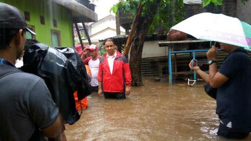 Sudah Empat Tahun Terbebas Banjir, Warga DKI Geram Minta Anies Mundur & Jangan Omong Kosong