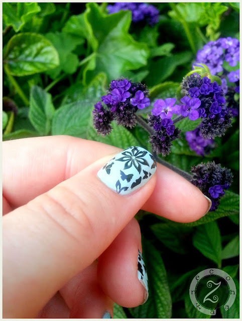 stemplowane paznokcie