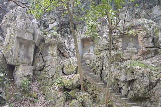 Buddha taillé dans la roche à Hangzhou