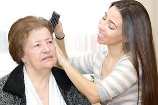Aseo e higiene personal cuidado mayores Granada