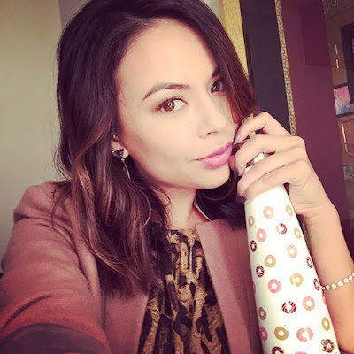 "PLL behind-the-scenes Janel Parrish (Mona) filming 7x10 summer finale ""The DArkest Knight"""