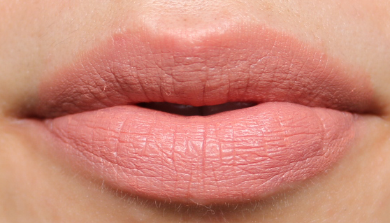 B. Cassie Lomas Matte Liquid Lip in All About Me swatches