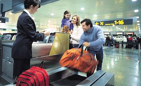 Saiba o peso limite e quantas malas levar para os EUA e outros países