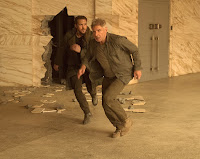 Blade Runner 2049 Harrison Ford and Ryan Gosling Image 3 (17)