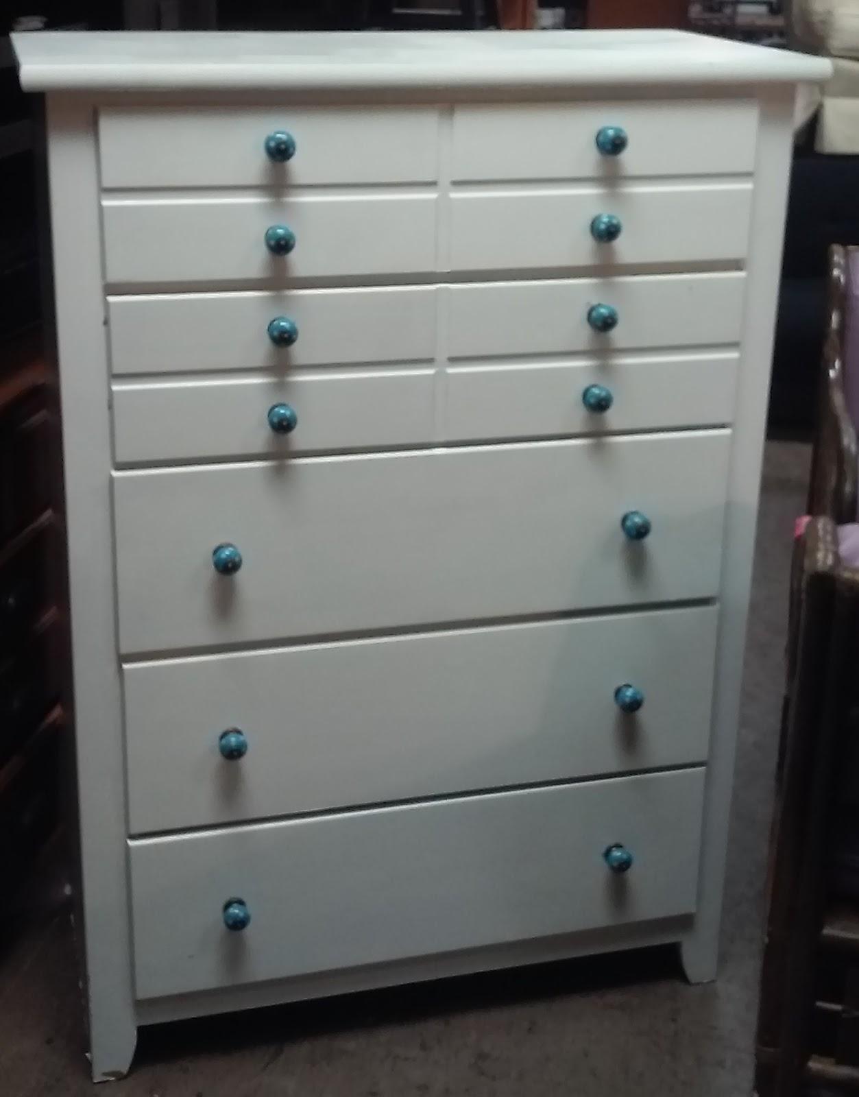 Uhuru Furniture Collectibles Sold 50 Tall 5 Drawer