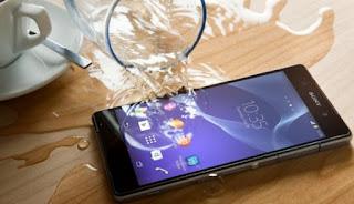 Cara Mengatasi HP Android Yang Terkena Air Agar Tidak Rusak