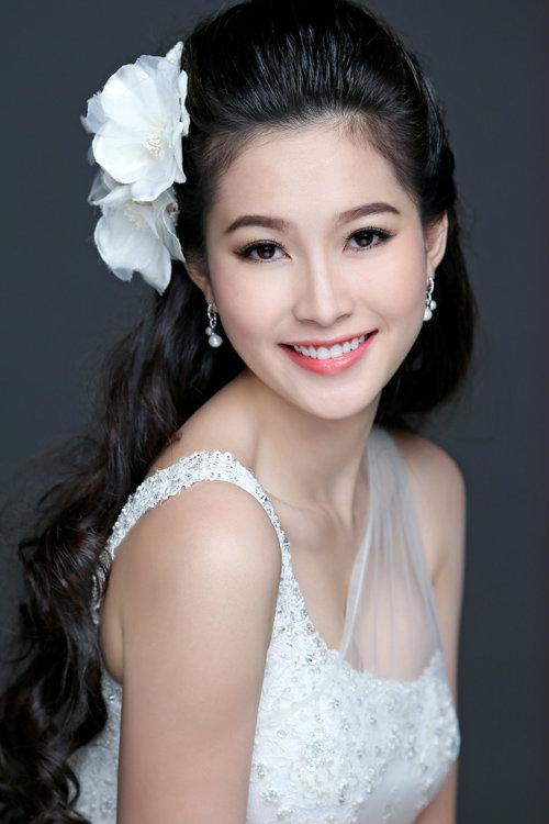 Những sao Việt sở hữu đôi mắt đẹp hút hồn