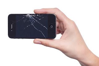 Apa Harus Dilakukan Jika Skrin Handphone Retak