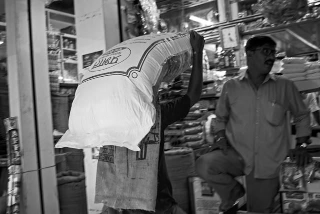 porter, carrying, goods, grocery shop, lalbaug, mumbai, monochrome, blackandwhite, india,