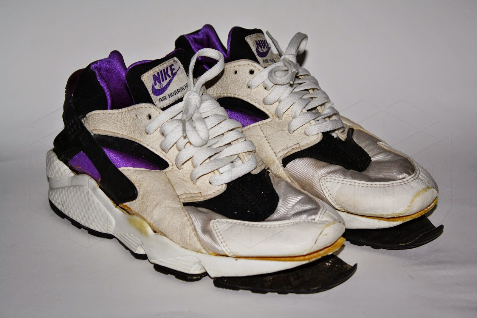 buy online 6c883 db059 Nueve Cincuenta: Nike Air Huarache Purple Punch 1991. Out ...