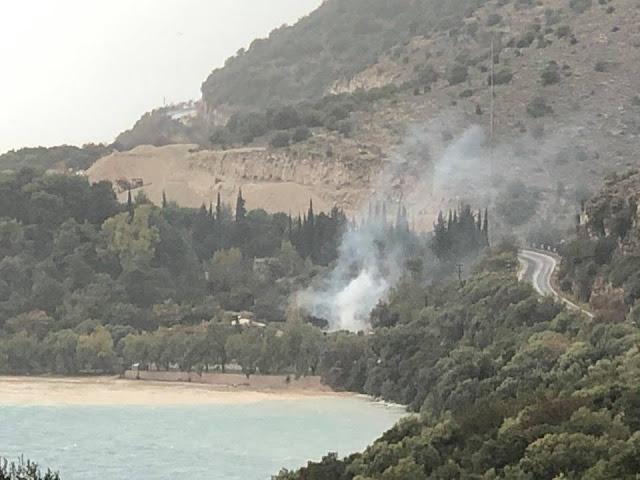 Φωτιά σε κάμπινγκ στην Πλαταριά Ηγουμενίτσας