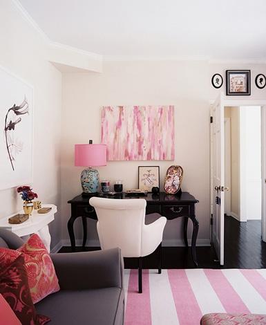 weiss schwarz rosa wohnzimmer, ein feminines wohnzimmer in schwarz und rosa - christine oertel, Design ideen