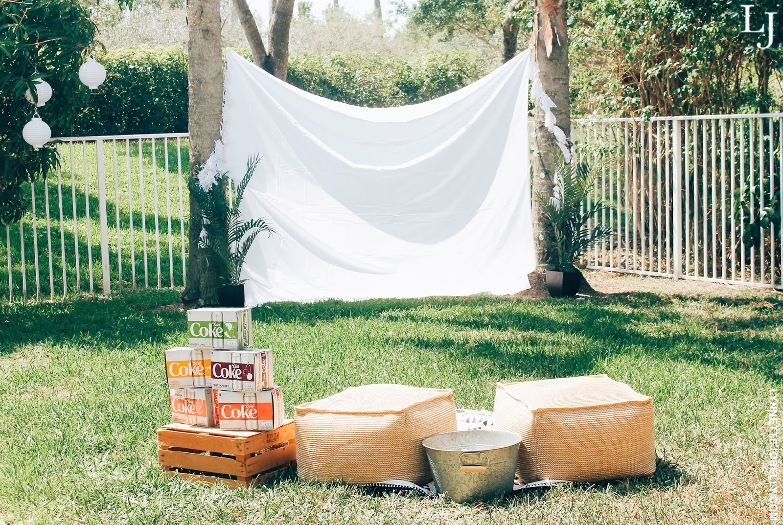 diy-backyard-movie-theater