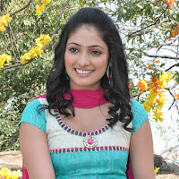 exqusite and enticing Haripriya in chudidar salwar kameez