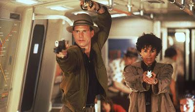 Bill Paxton Danny Glover Maria Conchita Alonso Predator 2 1990