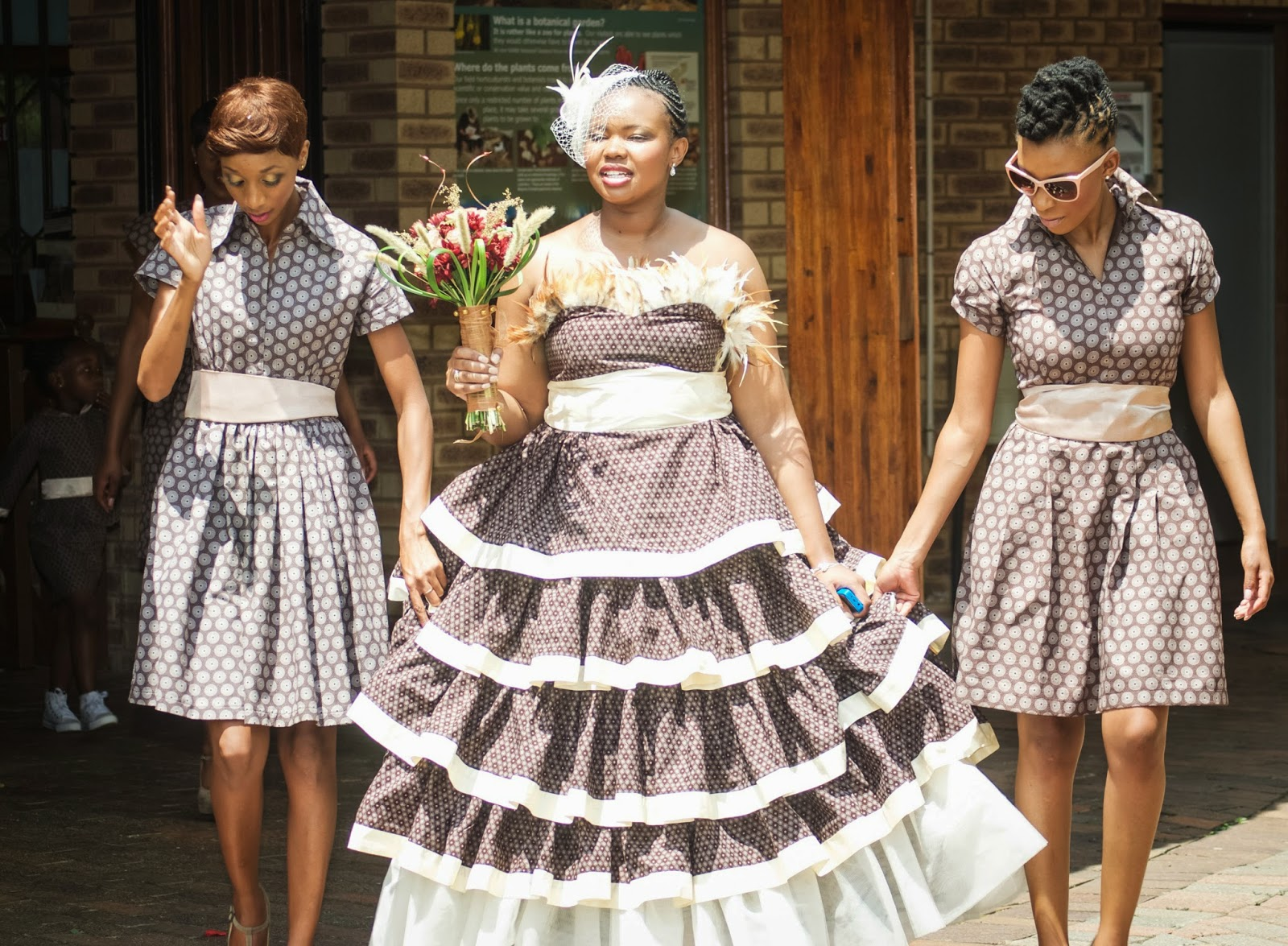 Paballo 39 s world mr mrs nxumalo traditional wedding for Traditional photos