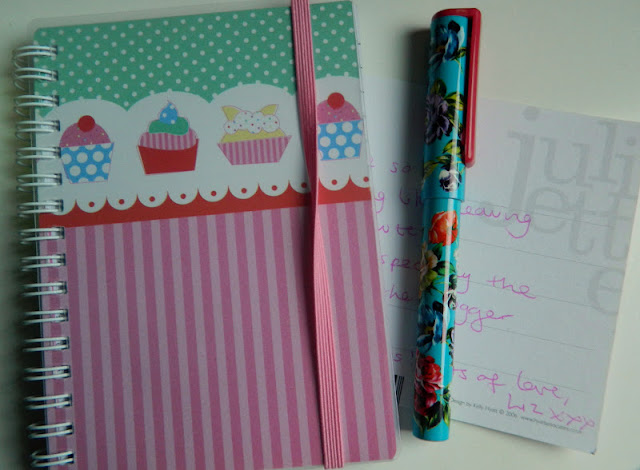 pink stripe and cupcake notepad with blue floral pen