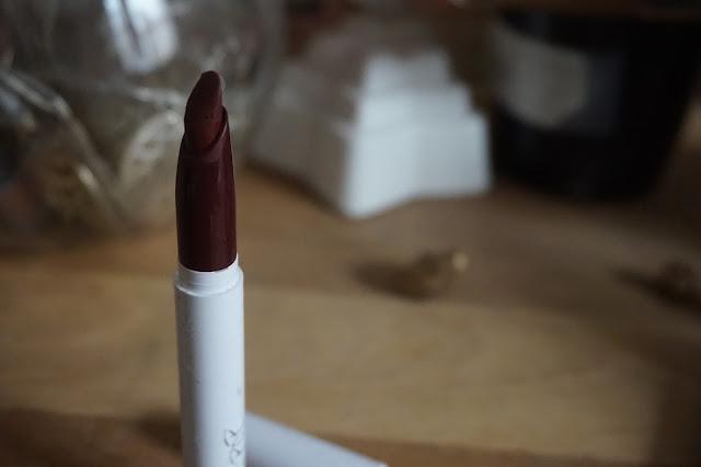 christmas_makeup_maquillage_de_noel_idées_tutoriel_fêtes_or_et_noir_vert_rouge_01