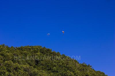Sukan Paraglider Di Bukit Keluang