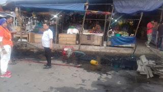 Kadis Perdagangan Lakukan Pembersihan Gorong gorong Pasar
