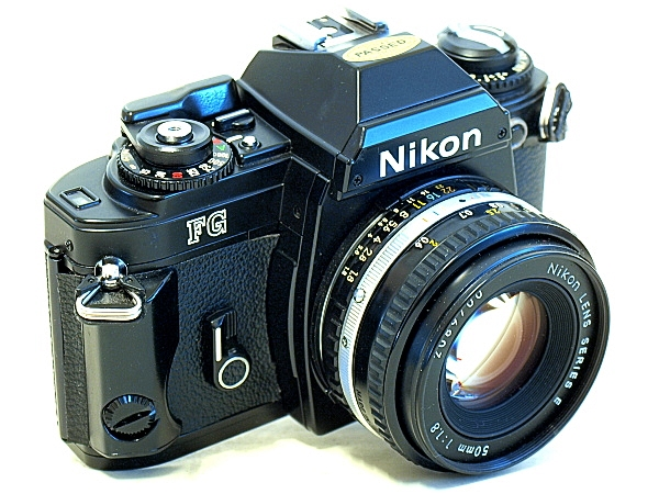 Nikon FG, view front top