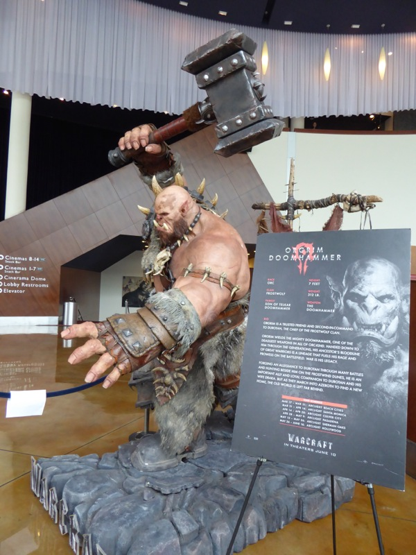 Orgrim Doomhammer Warcraft film statue display