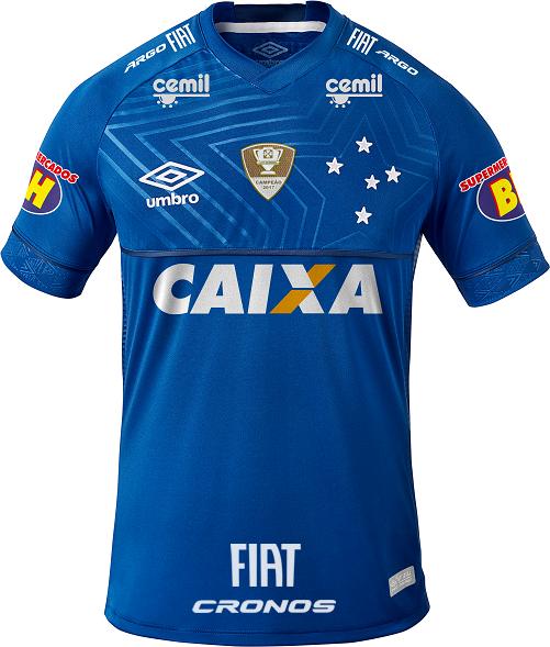 e7498ace0e Patrocínio faz atletas do Cruzeiro usarem camisa para fora do calção ...