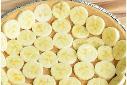 Banana Split Ice Cream Pie