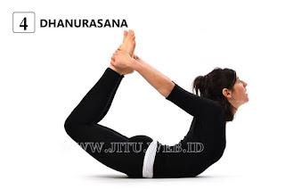 Yoga Dhanarasana untuk hilangkan perut buncit.