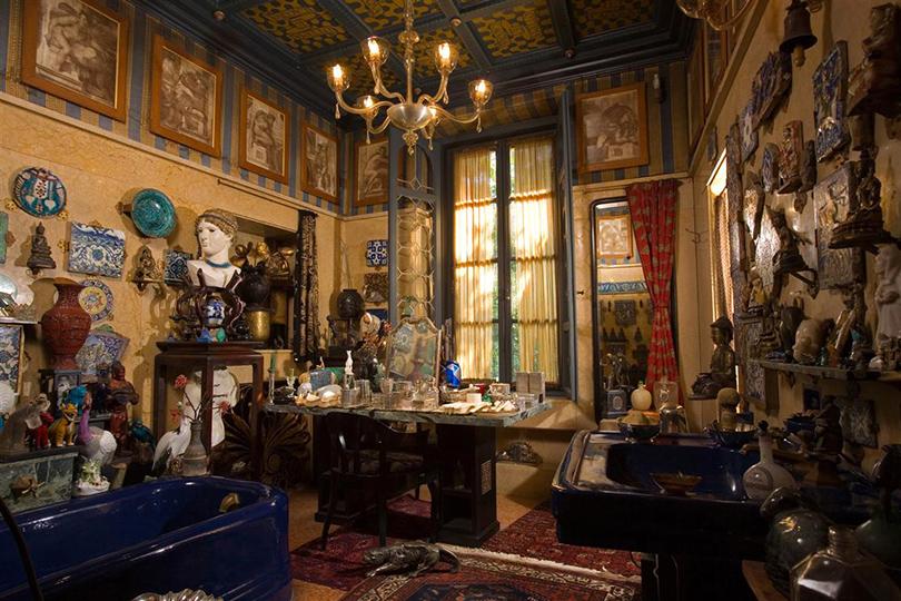 Дом как музей: как оформить интерьер античными скульптурами