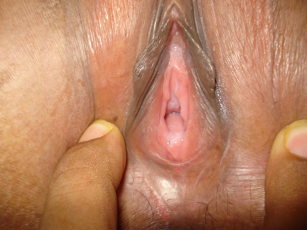 Matured South indian milf aunty showing big boobs ass hole ...