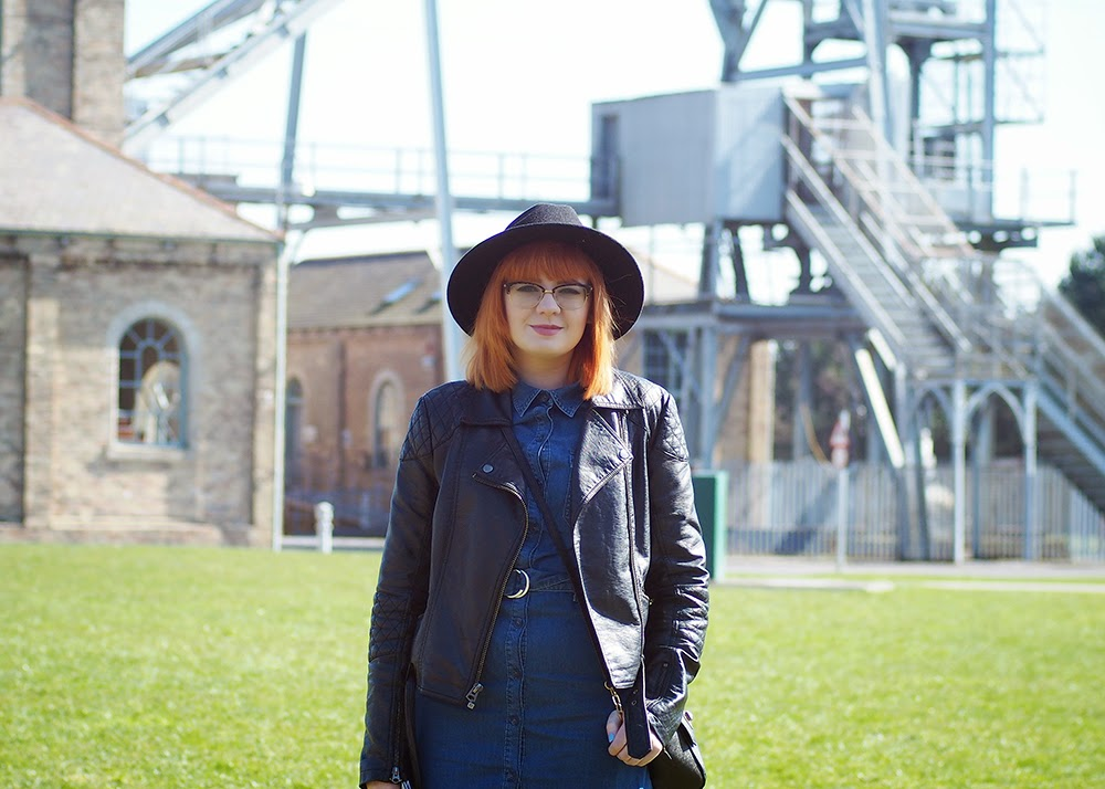 Blogger, Personal, Nebloggers, facts, get to know me tag, redhead