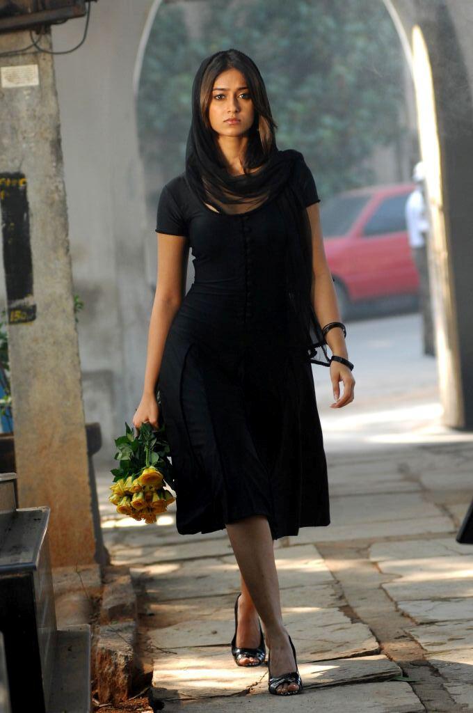 Tollywood actress ileana new stills