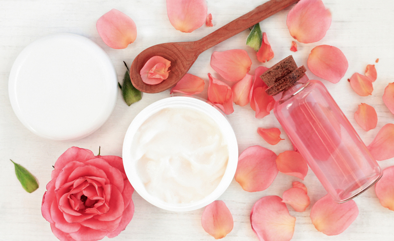 How to Make Body Lotion With Coconut Oil & Rose Water