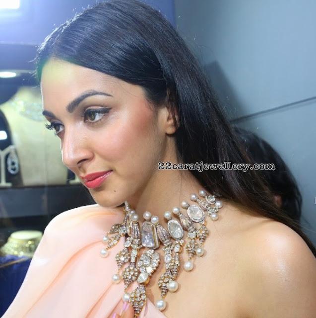 Kiara Adwani Showcasing Diamond Necklace