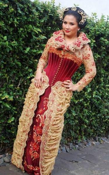 Model Baju Kebaya Modern Untuk Wanita Gemuk