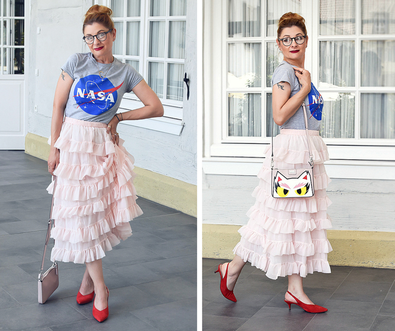 rote Pumps, Slingbackpumps, Nasa T-Shirt