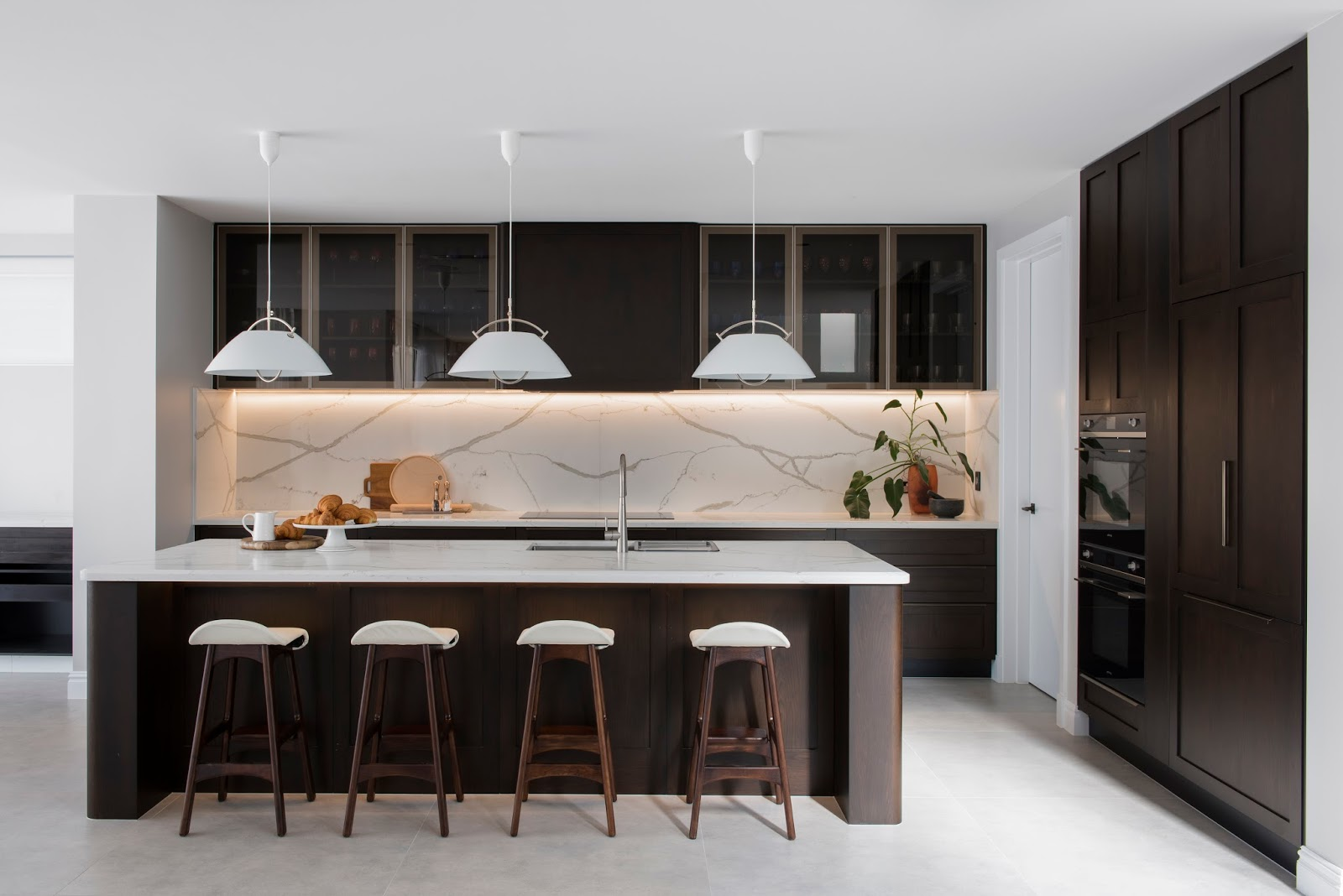 Minosa: Classic Modern Kitchen Design