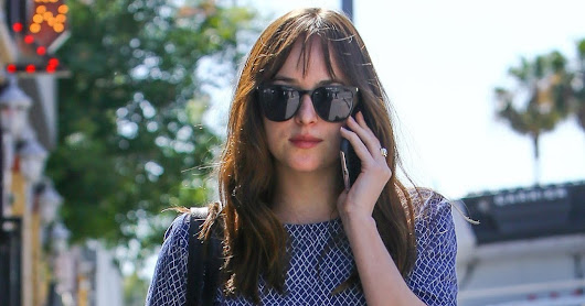 Dakota Johnson - Candids - 2017 - Dakota de camino al Spa Sweatheory y Health Club en Los Ángeles